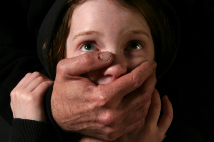Prévenir nos enfants des agressions sexuelles sans les effrayer